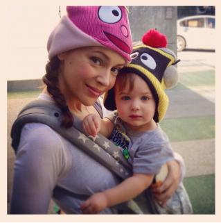 Alyssa Milano, madre trabajadora