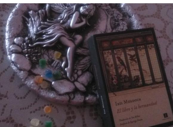 El libro y la hermandad de Irish Murdoch