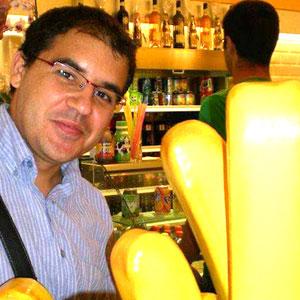 Rubén J. Olivares