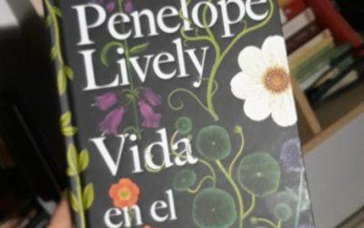 Vida en el jardín de Penelope Lively