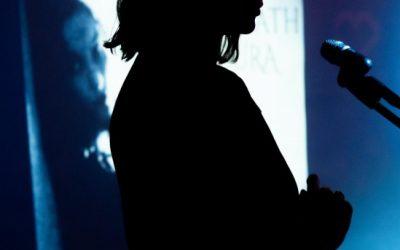 Clara Plath vuelve con Oscura