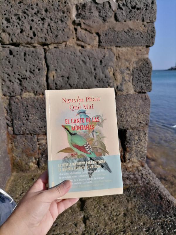"""""""El canto de las montañas"""" de la escritora Nguyên Phan Quê' Mai"""